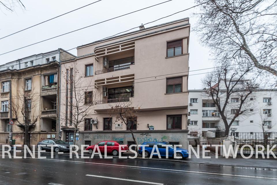 Inchiriere etaj vila Piata Romana - Dacia (196mp)