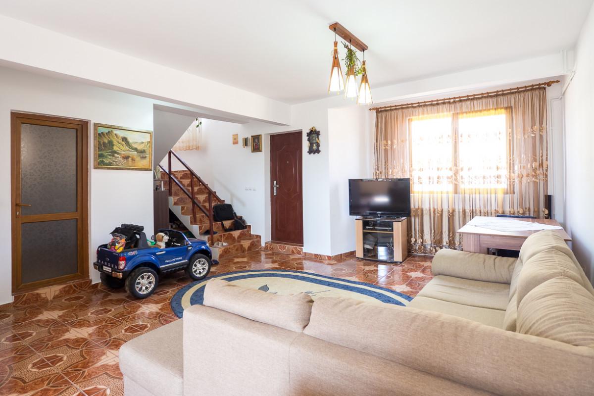 Vila cu 5 camere echilibrate, renovata, accesibila, langa Bucuresti