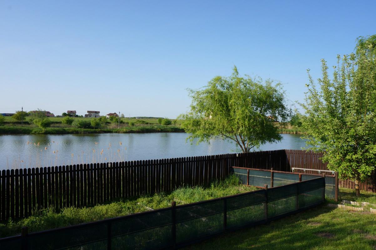 Vila primitoare cu deschidere spre lac, Corbeanca!