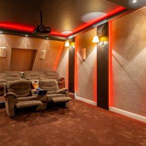 De ce vila UNICAT? Home Cinema+Smart Home+vila in ansamblul Domus Stil Pipera