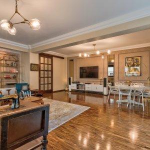 Apartament elegant de 5 camere cu foisor si gradina!