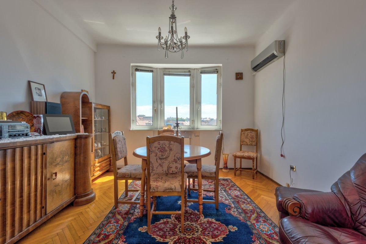 Apartament spatios de 4 camere, Mantuleasa - Bd. Coposu!