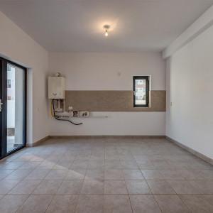 Prelungirea Ghencea- Alunului, Comision 0, Apartament in vila, gradina 150mp !