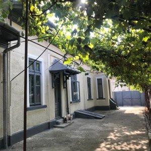 Casa 5 camere ,central, singura in curta, zona Calarasi , Popa Nan