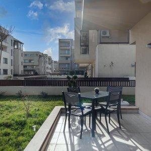 Apartament cu gradina proprie de 90 mp pe malul lacului Pipera